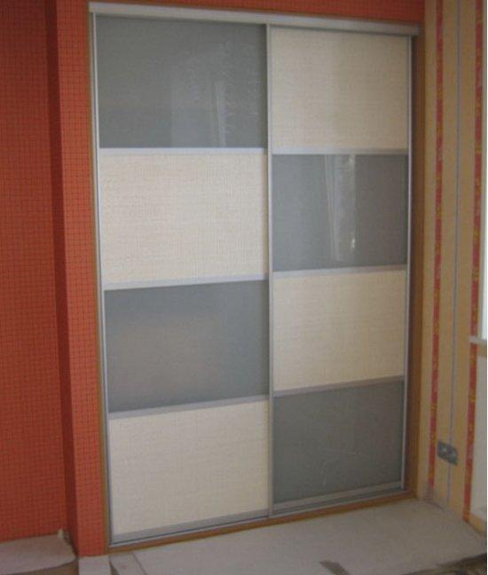 Пластиковые двери для шкафа-купе