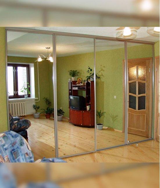 Две (4) зеркальные двери-купе