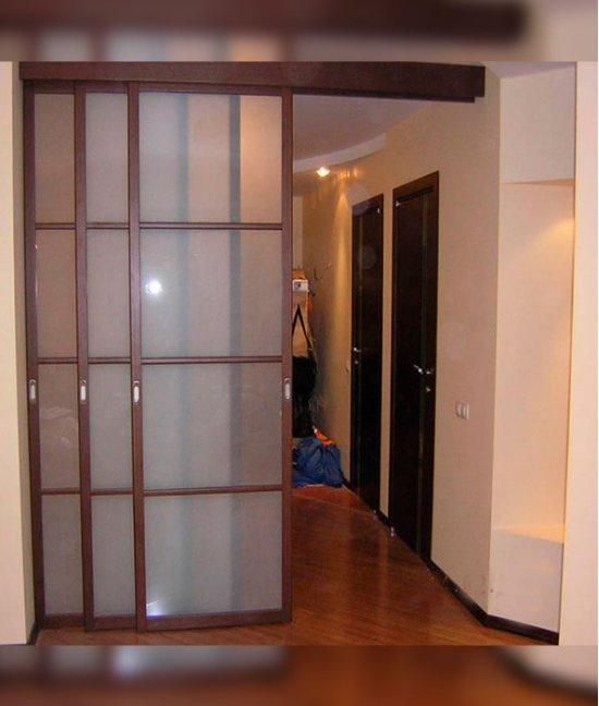 Раздвижные двери межкомнатные трехстворчатые
