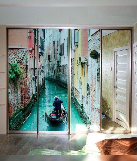 Двери с фотопечатью для гардеробной