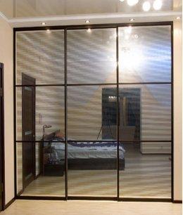 Современные зеркальные двери для шкафа-купе
