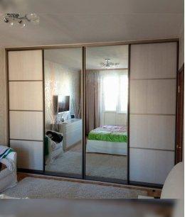 Зеркальные двери для шкафа-купе в спальню