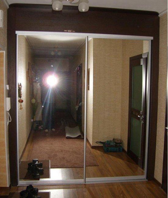 Двери-купе в гардеробную в прихожей