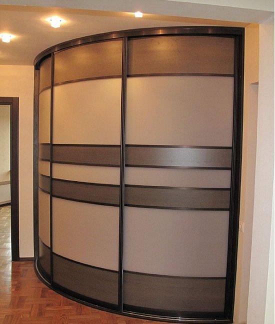 Раздвижные радиусные двери для гардеробной