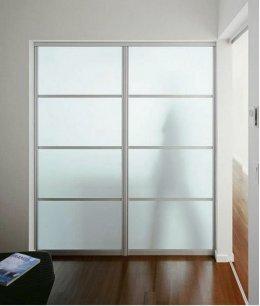 Две (2) стеклянные двери