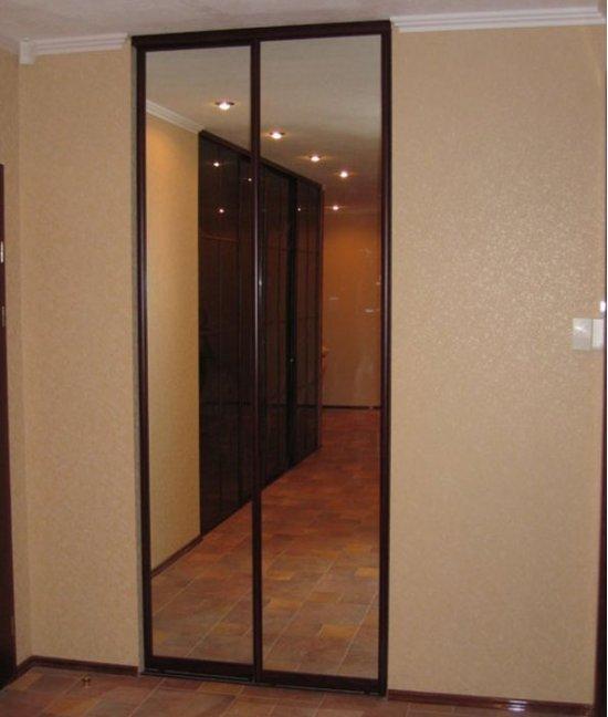 Двери-купе в нишу в коридоре