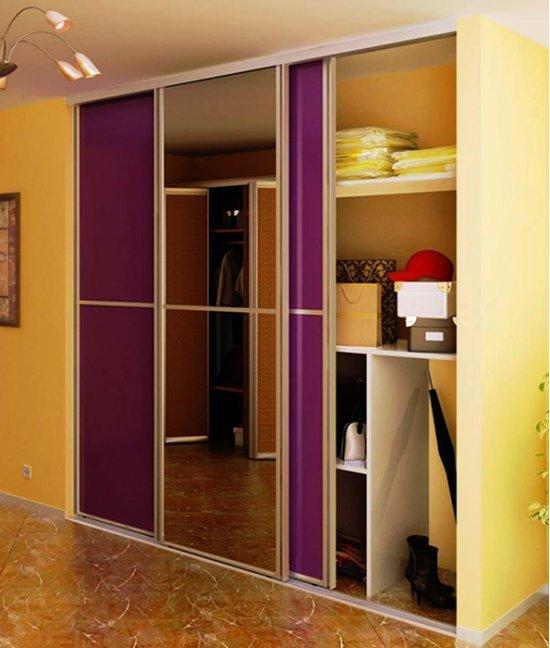Гардеробный шкаф в коридор