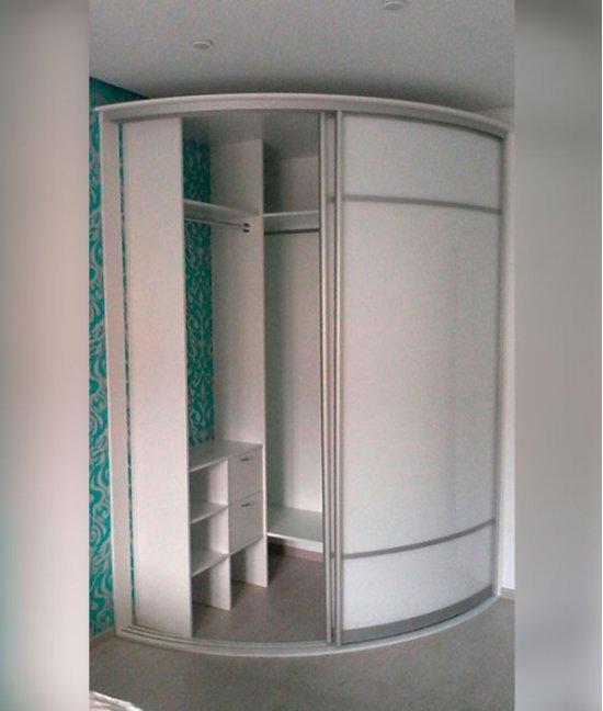 Радиусные шкафы в гардеробную