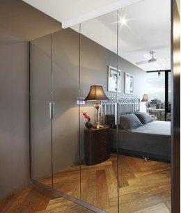 Шкаф с зеркалом в гардеробной