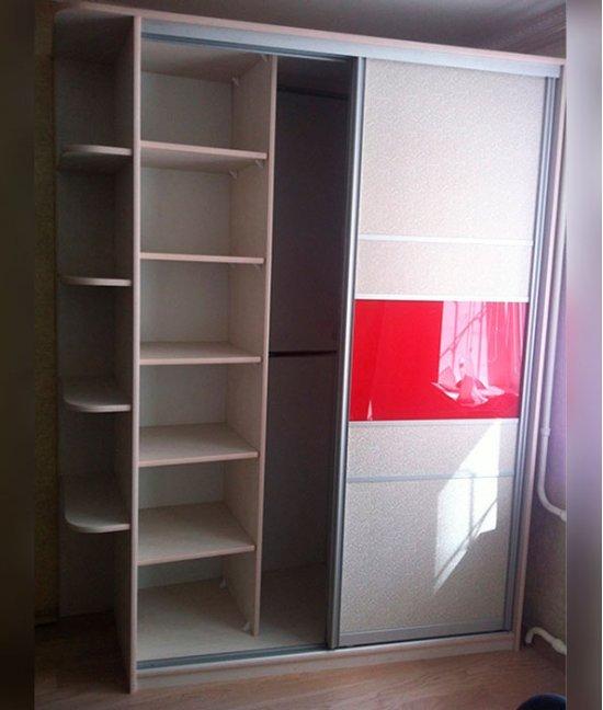 Шкаф двухдверный с полками