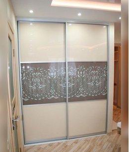 Шкафы купе двухдверные с фасадом стекло
