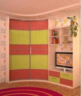Угловой встроенный шкаф в детскую