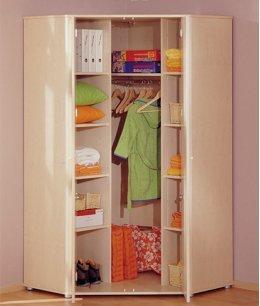 Маленький угловой шкаф в детскую
