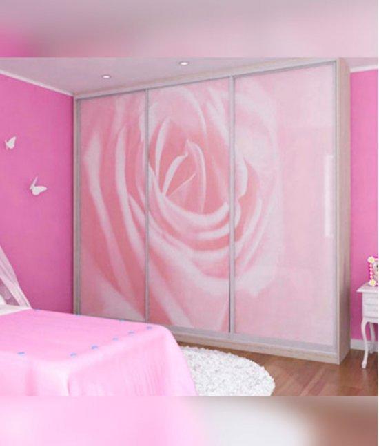 Розовый шкаф для девочки