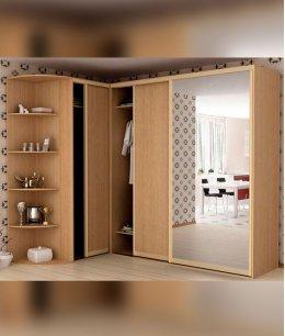 Угловой зеркальный шкаф купе в спальню