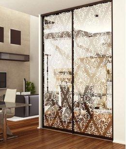 Шкафы купе зеркальные с пескоструйным рисунком