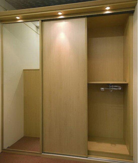 Шкафы в прихожую с подсветкой