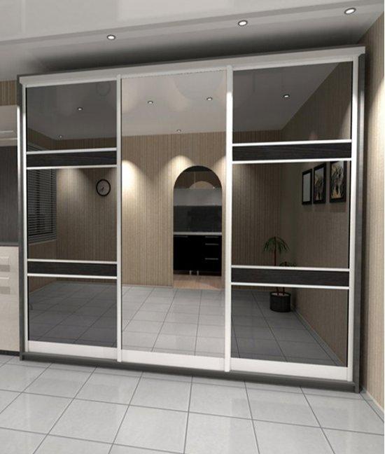 Шкаф в прихожую с раздвижными дверями