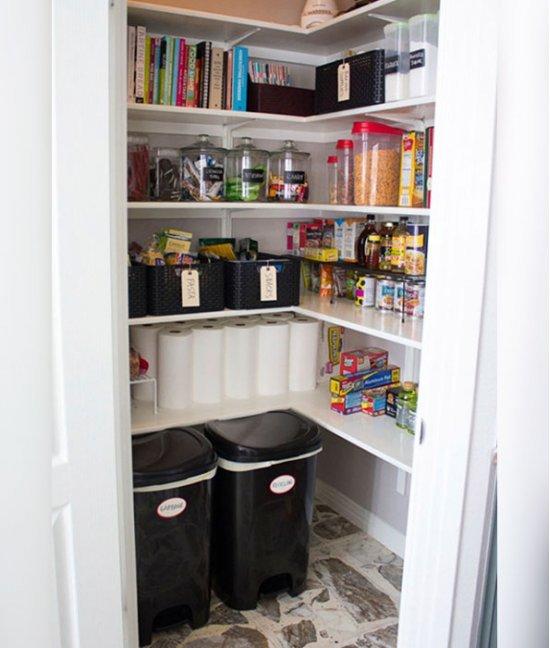 Шкаф для банок в прихожей