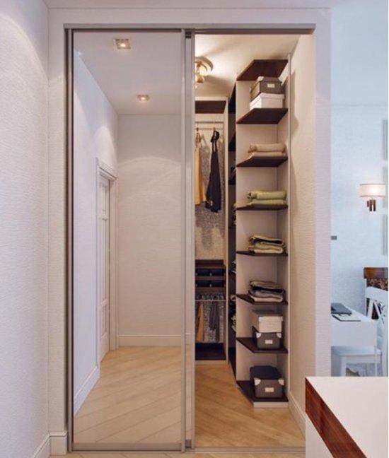 Шкаф кладовка в прихожей
