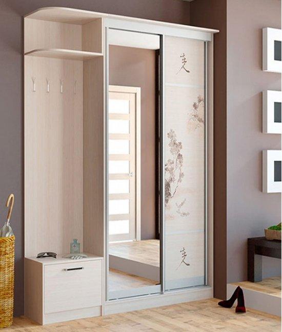 Небольшой шкаф в прихожую с зеркалом
