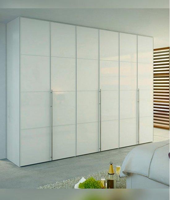 Гардеробные шкафы с распашными дверями