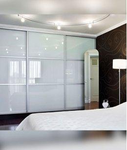 Шкафы купе лакобель в спальню