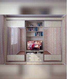 Четырехдверные шкафы купе с нишей под телевизор