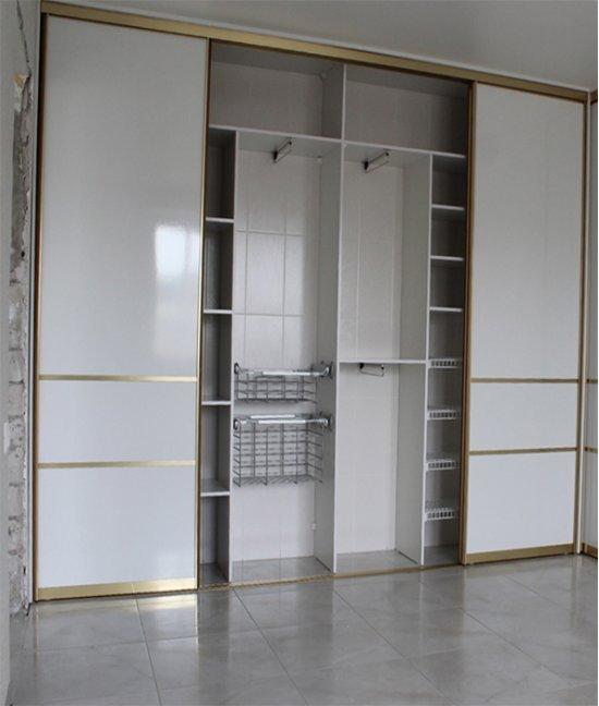 Встроенный шкаф купе под натяжной потолок