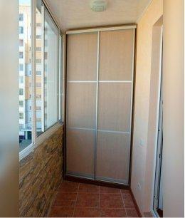 Встроенный шкаф купе на лоджию